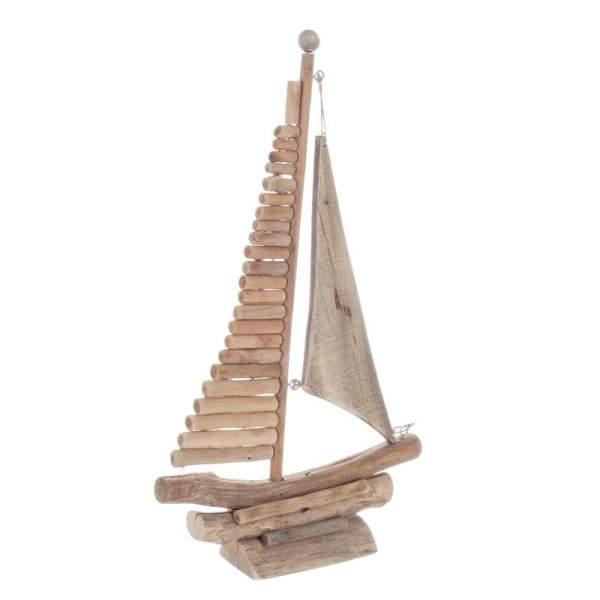 Barco de vela de madera
