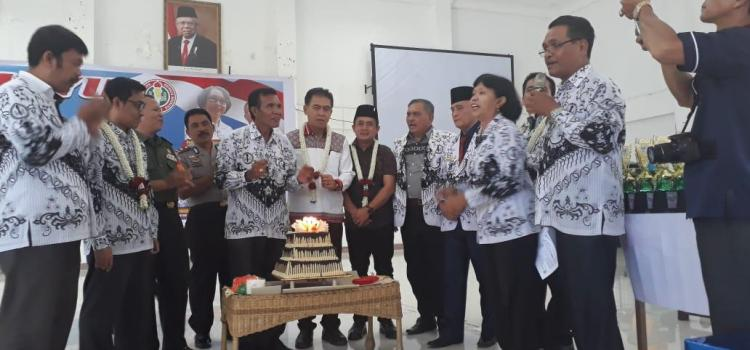 Wakapolres Simalungun Hadiri HUT ke-74 PGRI (Persatuan Guru Republik Indonesia) dan HGN (Hari Guru Nasional) Tahun 2019 Kabupaten Simalungun