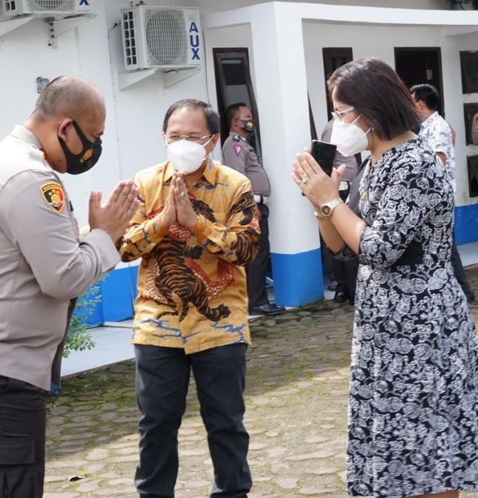 Anggota DPD/MPR RI Dr.Badikenita Br Sitepu,SE.,M.Si Apresiasi Inovasi Pelayan Publik Horas Paten Polres Simalungun