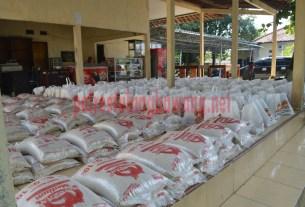 Puluhan ton beras dan ratusan paket sembako yang didistribusikan Polres Tulang Bawang jelang Hari Bhayangkara Ke-74