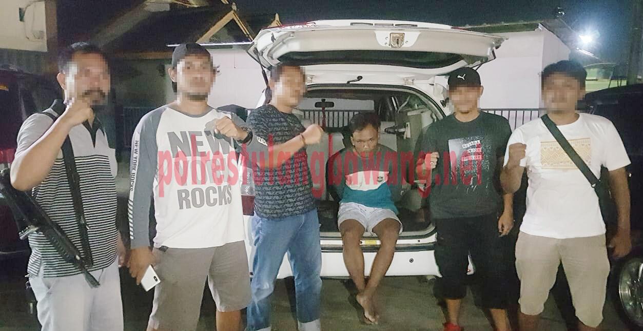 Pelaku curat hewan ternak berinisial KA als WR saat ditangkap Polsek Penawartama bersama Tekab 308 Polres Tulang Bawang di Tiyuh Panca Marga, Kecamatan Batu Putih