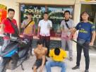 Dua warga Banjar Agung pelaku curas berinisial SN als SA (24) dan SD als SR (26), saat berada di Mapolsek Banjar Agung