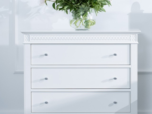 chest of drawers ane