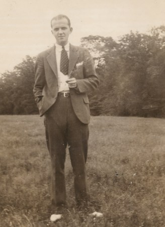 Ed Janis with Short Tie 1930s