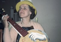 Helen with banjo