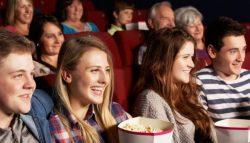 pessoas no cinema