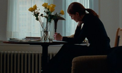 JULIANNE MOORE THE STAGGERING GIRL
