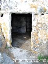 Пещеры Тепе-Кермена. Автор фото Алексей Коппа