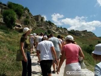 Пещерный город Чуфут-Кале пользуется огромной популярностью у туристов