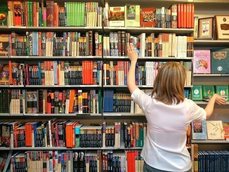 Книжный склад в г. Stryków (Лодзь)