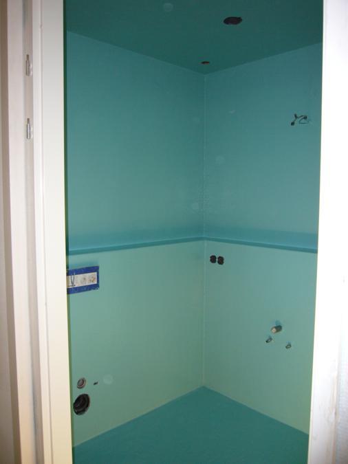 Badkamer met kasten in polyester – Polyester Sanitair. Badkamers en ...
