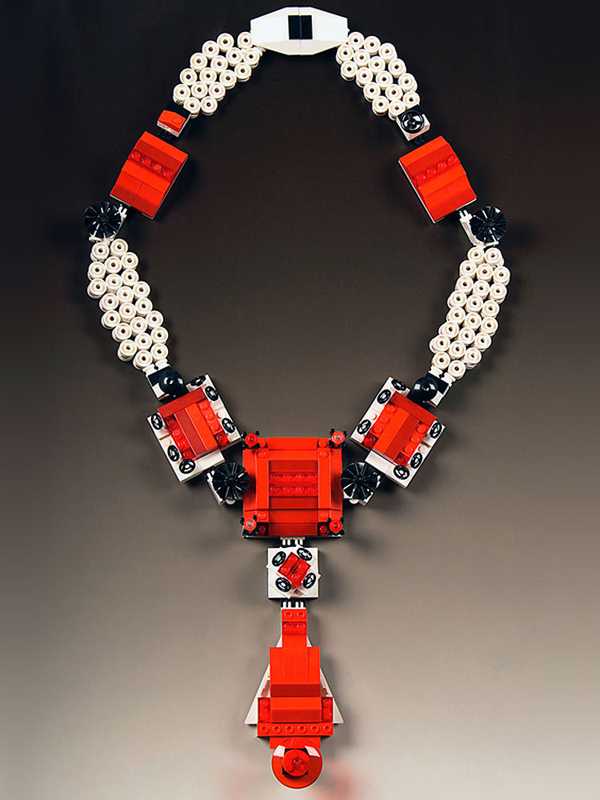 Emiko Oye, The Queen Margherita, 2007 Lego blocks, coated copper wire, rubber cord, sterling silver, steel pin back, 34″ l (open) Museum of Contemporary Craft Teaching Collection photo: artist and Christine Dhein