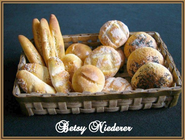 learn-to-make-miniature-bread