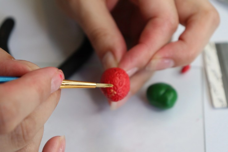 16 Strawberry earrings made of polymer clay