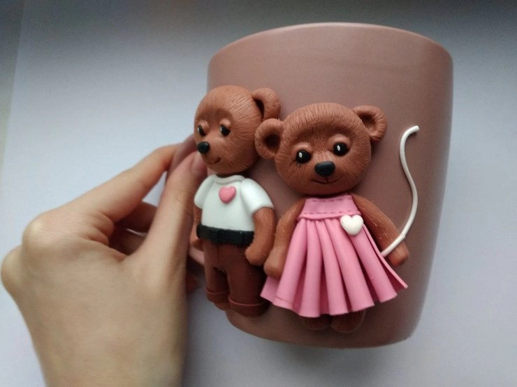 18 Polymer clay cup decor: A couple of bears