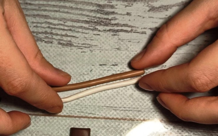 3. Polymer clay chocolate wafer straws, photo tutorial on sculpting