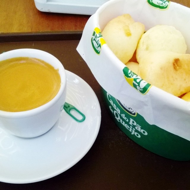 Café + Pão de queijo