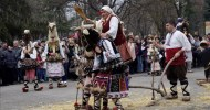 Traklar,Trak savaşçılarını temsilen giyilen kıyafetler, çanlar ve maskelerle renklenen Kukerlandia Festivali, kötü ruhları uzaklaştırma ritüellerinin günümüzdeki uzantısı Bir zamanlar Trakya ovalarında Trak'lar yaşardı. Zaman çarkı ğek çok kavim gibi onları […]