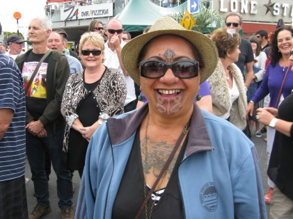 Maori lady Tauranga jazz fest (photo by Jack)