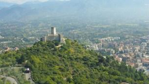 Wjazd na Monte Cassino –widok z góry