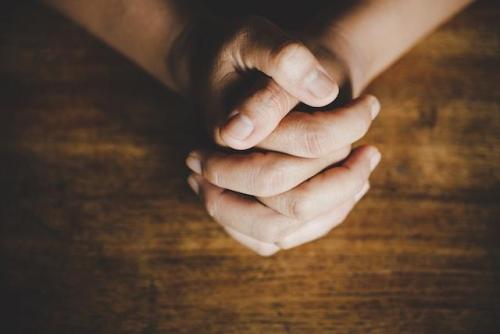 Ręce w modlitwie