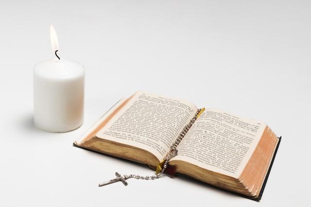 Różaniec i biblia