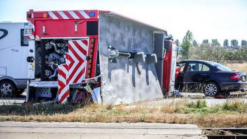 ?? Blankenberge : Un camion de pompiers se renverse