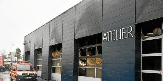 🇫🇷 Brest (29) : Un incendie se déclare dans une concession automobile
