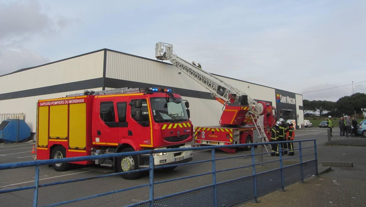 ?? Lanester (56) : Une fusée de détresse provoque un incendie