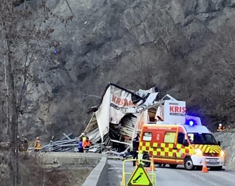 ?? La Garde-en-Oisans (38) : Le conducteur d'un camion percute la falaise et perd la vie