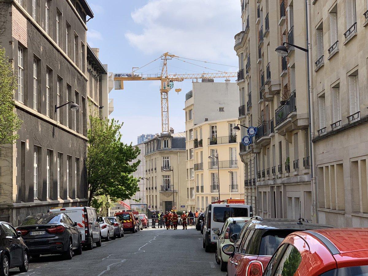 ?? Paris (75) : Une grue risque de s'effondrer, un quartier évacué