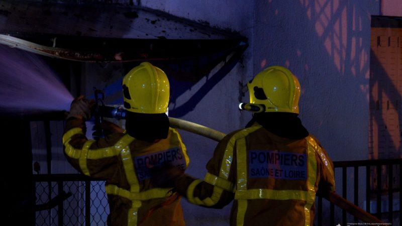 ?? Sennecey-le-Grand (71) : Une habitation entièrement détruite par le feu