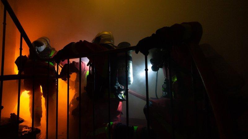 🇫🇷 Ivry-sur-Seine (94) : Trois blessés dans un violent incendie dont deux pompiers