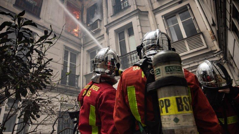 🇫🇷 Paris (75) : Quatre étages d'un immeuble s'embrasent