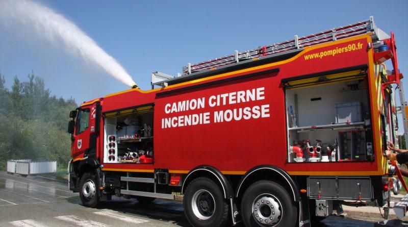 Nouveau camion citerne incendie mousse au SDIS 90