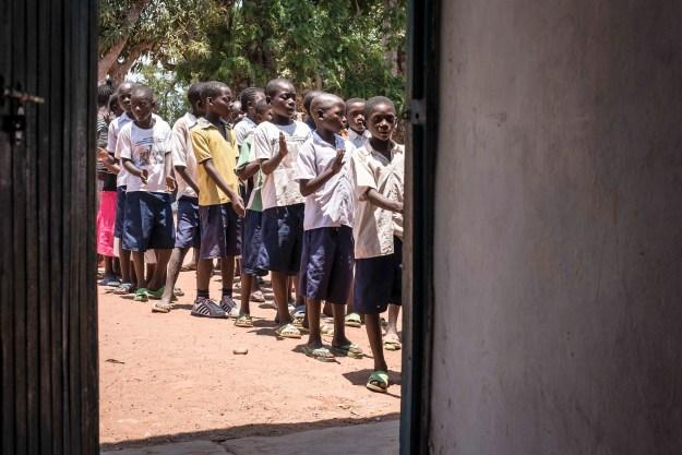 Les violences basées sur le genre en RDC sont largement répandues dans le milieu scolaire, poussant certaines filles à arrêter leur scolarisation.