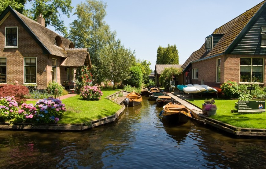 The green village of Giethoorn, Netherlands