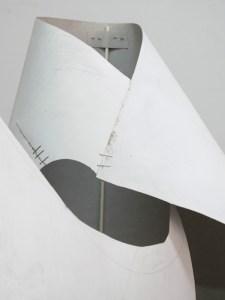 Cubierta brillante, margen delgado   Fuentesal & Arenillas   02/06-25/07/2021   Sala de Arte Joven   S.T. - Moldes (2021)   Detalle instalación