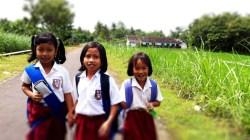 Anak anak Sekolah di Gunungkidul