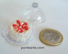 Dulces en miniatura. EL azucar con arena de piedrecitas blanca