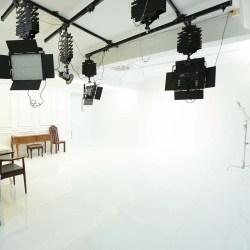 影子攝影棚 500/hr,室內高3米、全區70坪