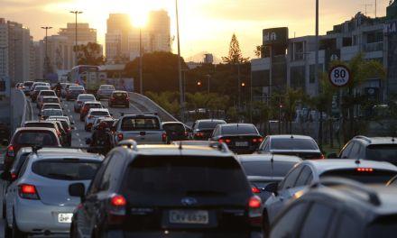 Senado aprova projeto que aumenta validade da CNH para até 10 anos. Foram aprovadas uma série de mudanças na legislação de trânsito