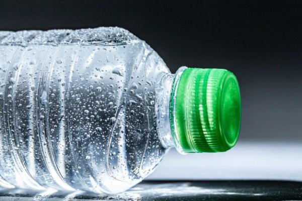 Segunda Turma nega pedido de associação contra exigência de selo fiscal para vasilhames de água mineral