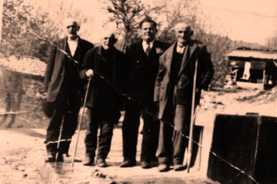 1.Ο Γιάννες ο Άκτερτσης, 2.Ο Κάσιον, 3.Ο Σιμιόντς, 4. Ο παρμπα Παντελής Ακριτίδης