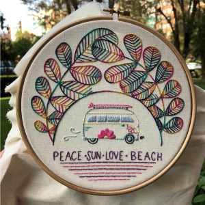 Risco para Bordado Livre love beach