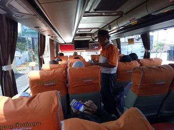 bus sugeng rahayu kepulangan mojokerto solo (dalam kabin)