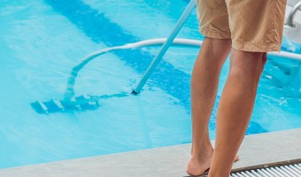 How to vacuum a pool after flocking?