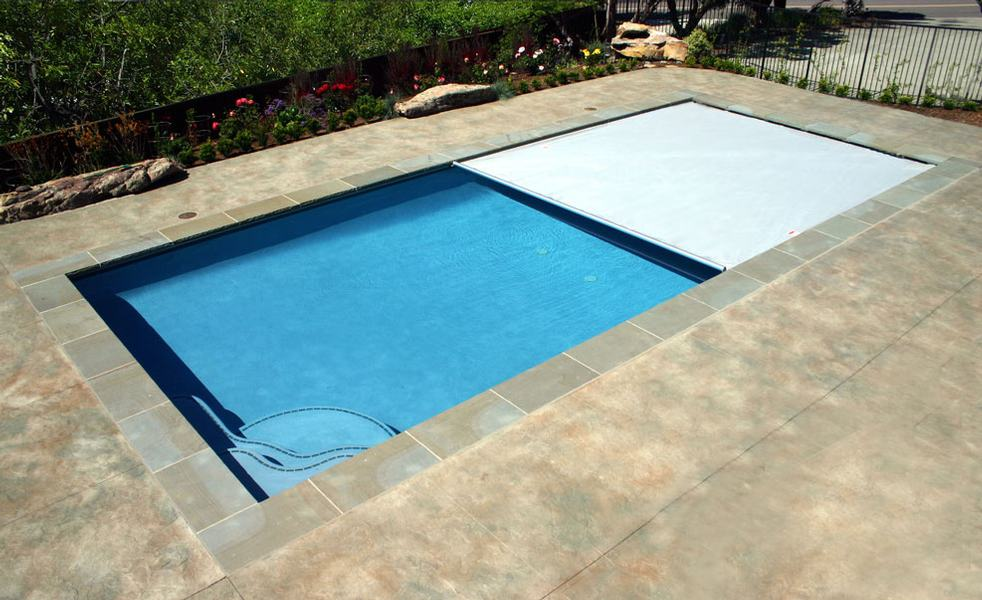 Pros and Cons of Automatic Pool Covers | Poolmax Pool Builder