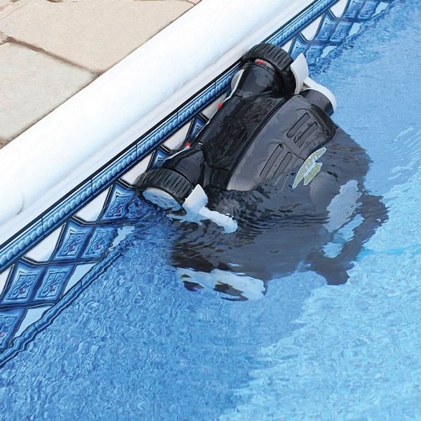 Choosing The Right Pool Cleaning Machine
