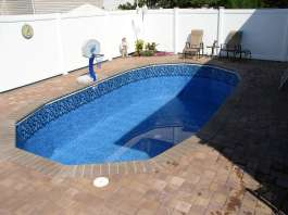 Pool volume chart swimming pool gallons all pool types - How many gallons in a swimming pool ...